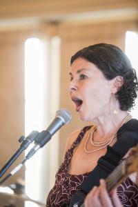 Mary singing DFP_0032